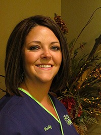 cosmetic dentist aledo - dental assistant